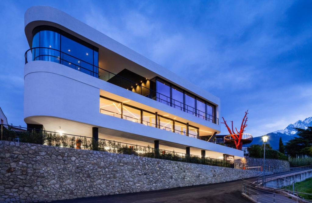 Hotelbau in Meran. Architektur und Ästhetik. Baufirma Schweigkofler aus Südtirol.