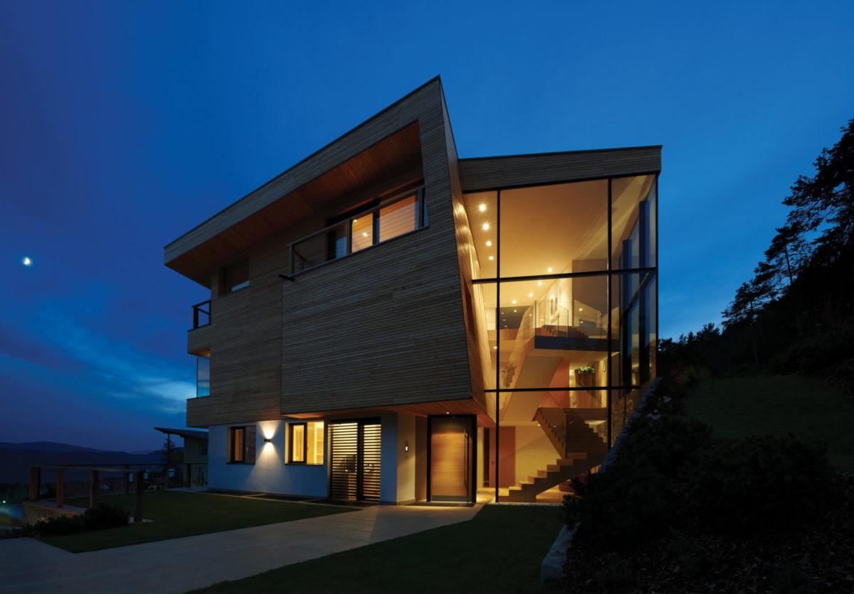 Wohnbau am Ritten. Architektur und Ästhetik. Baufirma Schweigkofler aus Südtirol.