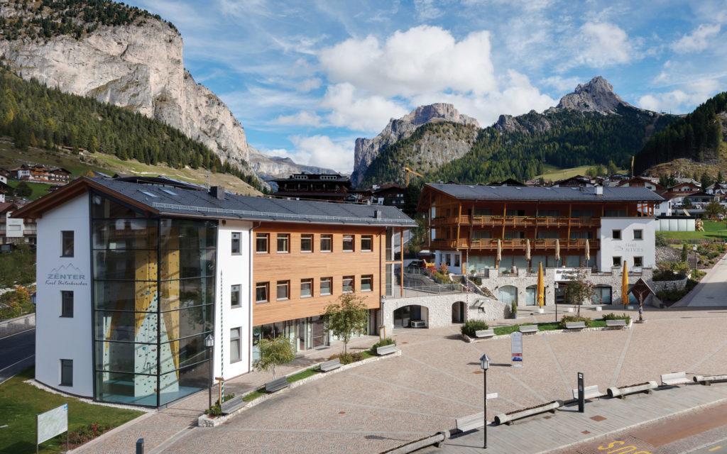 Hotelbau und Gewerbebau in Wolkenstein in Gröden. Baufirma Schweigkofler aus Südtirol.