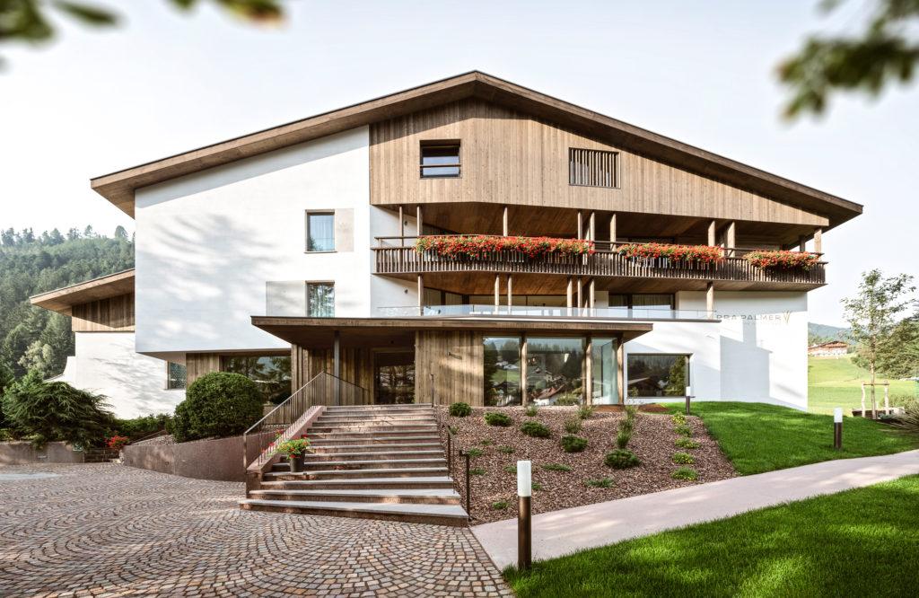 Hotelbau in St. Ulrich in Gröden. Baufirma Schweigkofler aus Südtirol.